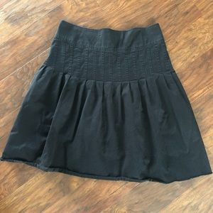 H&M Black Pleated Twill High Low Skirt w/ Pockets!